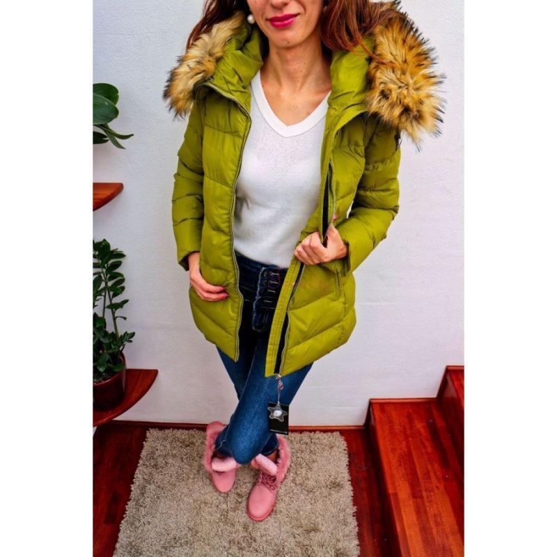 cc748b4fb akcia Zelená dámska bunda s kožušinou na zimu