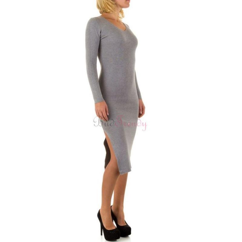 35769d9af167 Sivé svetrové šaty na zimu