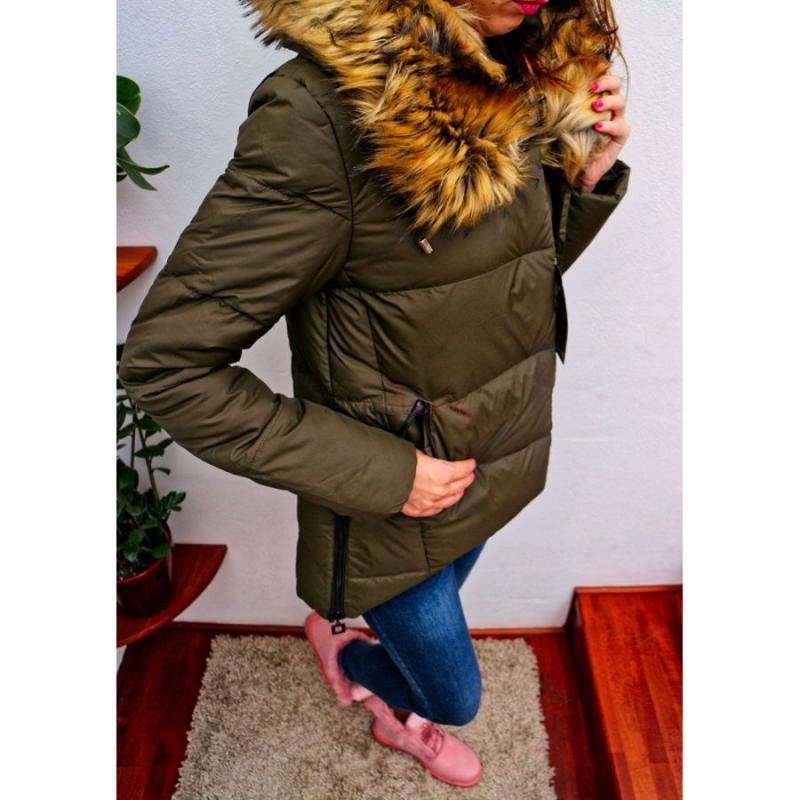 243465b657 Khaki dámska zimná bunda s kožušinou